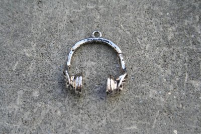 Metallhänge-Headset